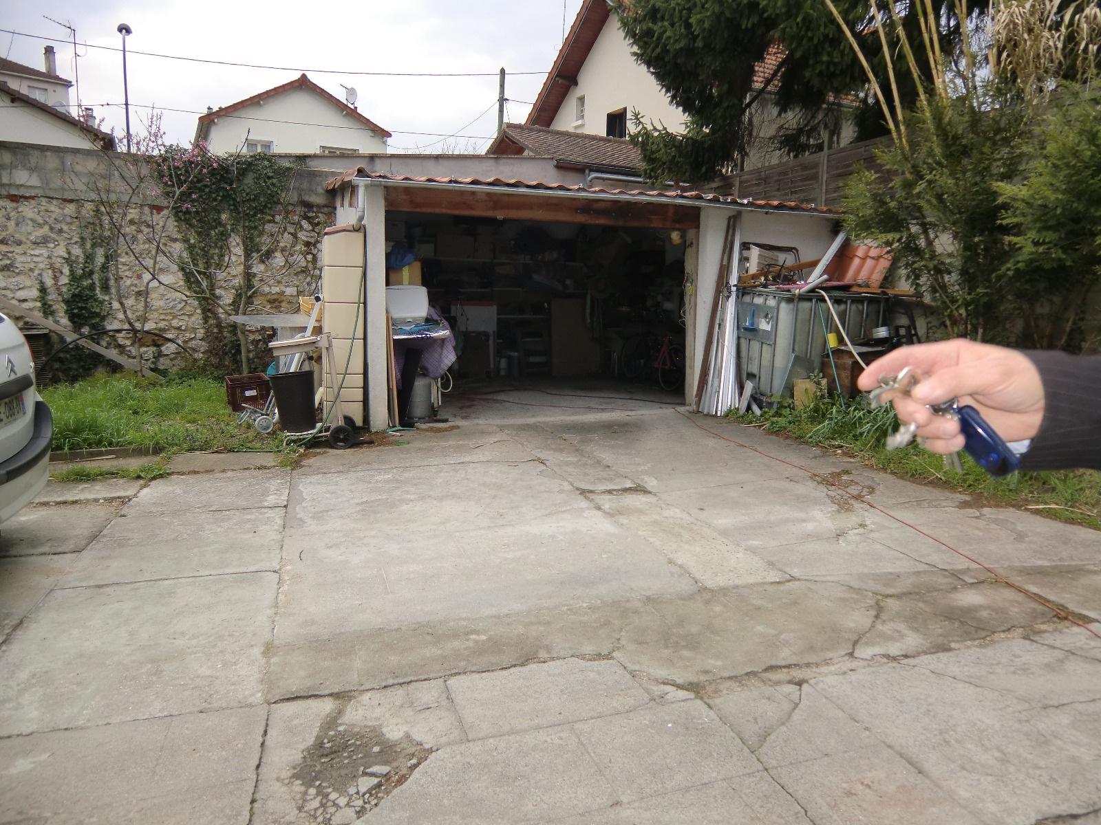 Vente champigny sur marne 5 39 rer eole for Garage a champigny sur marne